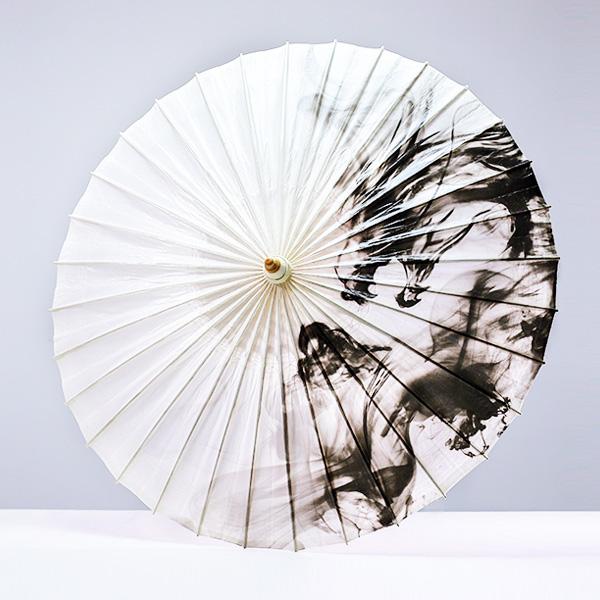 水墨油纸伞